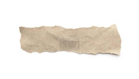 Photo pour Bâton artisanal en papier recyclé sur fond blanc. Papier brun déchiré ou déchiré morceaux de papier isolés sur blanc avec chemin de coupe. - image libre de droit