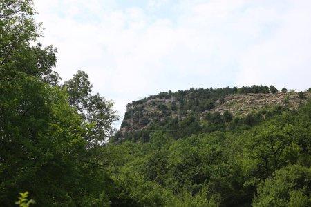 Photo pour Paysage de montagne terrain rocheux intéressant paysage - image libre de droit