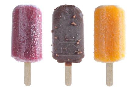 Photo pour Ensemble de glaces glacées comprenant des arômes d'orange, de chocolat et de framboise - image libre de droit