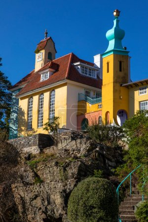 Photo pour A view of the Chantry and Onion Dome in the village of Portmeirion in North Wales, UK. - image libre de droit