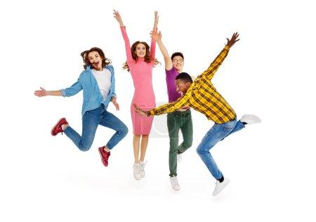 Photo pour Groupe de jeunes gens joyeux hommes et femmes multinationale isolé sur fond blanc - image libre de droit