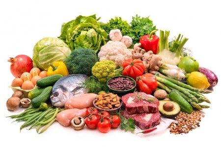 Photo pour Fond équilibré de nourriture de régime. Sélection de divers produits de régime paléo pour une alimentation saine - image libre de droit