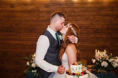 Photo pour Couple de mariage amoureux - image libre de droit