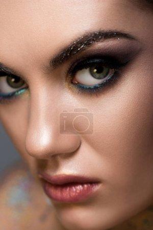 Nahaufnahme von schönen Modell mit Make-up für Mode-Shooting