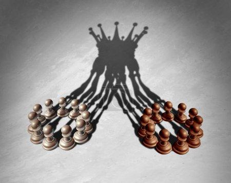 Photo pour Concept de leadership de groupe commercial comme fusion et acquisition et travail d'équipe entreprise combinant les points forts que les échecs pions formant un roi Couronne jeter ombre comme une illustration 3d. - image libre de droit
