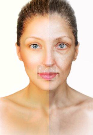 Photo pour Femme européenne face avant et après la procédure anti-âge. Gros plan, vue verticale, sur le fond blanc . - image libre de droit