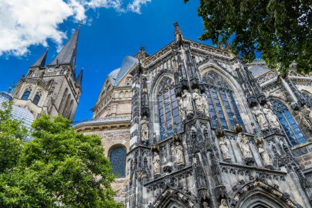 Photo pour Aachen/ Germany: The Aachen Cathedral, Jewel of Art and History, UNESCO Site - image libre de droit