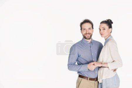 Photo pour Portrait de couple marié souriant tenant les mains ensemble isolé sur blanc - image libre de droit