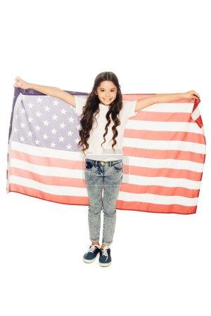 Photo pour Heureux enfant adorable tenant le drapeau américain et regardant la caméra isolé sur blanc - image libre de droit