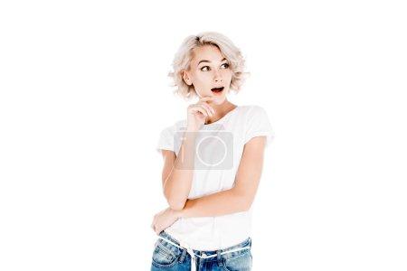 Photo pour Belle femme surprise avec la bouche légèrement ouverte, isolé sur blanc - image libre de droit