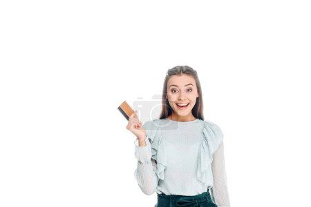 Photo pour Portrait de femme heureuse avec carte de crédit isolé sur blanc - image libre de droit