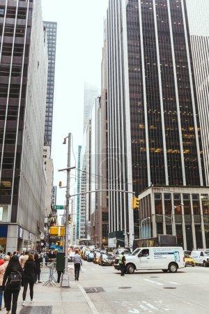Photo pour NEW YORK, États-Unis - 8 OCTOBRE 2018 : Scène urbaine avec des gratte-ciel à New York, États-Unis - image libre de droit