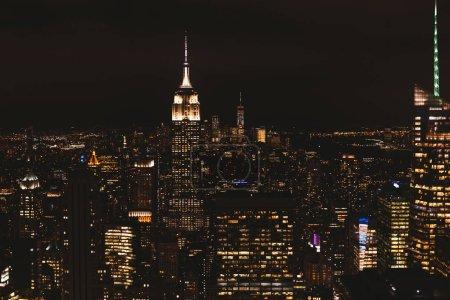 NEW YORK, États-Unis - 8 OCTOBRE 2018 : vue aérienne de la ville de New York la nuit, États-Unis