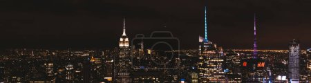 Photo pour New York, États-Unis - 8 octobre 2018: vue panoramique de la ville de new york dans la nuit, é.-u. - image libre de droit