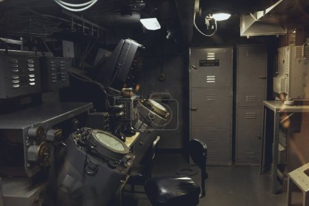 Photo pour New York, États-Unis - 8 octobre 2018: près vue d'équipements marins en bateau - image libre de droit