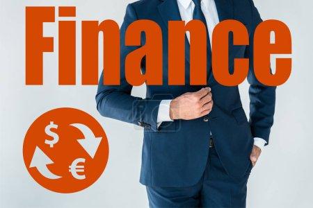 Photo pour Image recadrée d'homme d'affaires boutonnage veste isolé sur blanc avec des icônes de la finance - image libre de droit