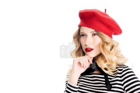 Photo pour Femme blonde rêveuse au béret rouge isolé sur blanc - image libre de droit