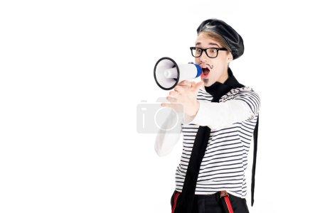 Photo pour Français d'homme au béret noir, hurlant de mégaphone isolé sur blanc - image libre de droit