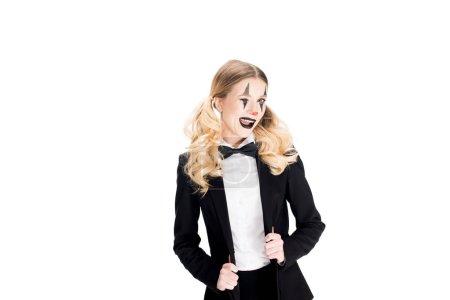 Photo pour Blonde femme clown debout en costume isolé sur blanc - image libre de droit