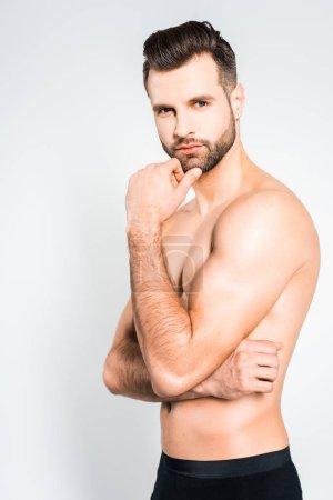 Foto de Barba sin camisa guapo posando aislada en gris - Imagen libre de derechos
