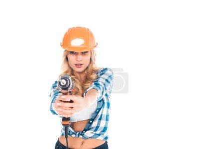 Photo pour Femme pratique en chemise bleue et orange casque avec tournevis isolé sur blanc - image libre de droit