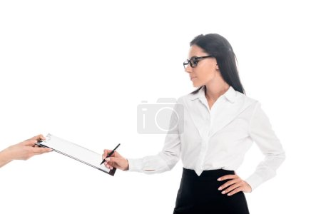 Photo pour Charmante femme d'affaires dans des verres signature contrat isolé sur blanc - image libre de droit