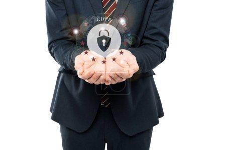 Photo pour Vue recadrée de l'homme d'affaires avec les mains coupées près du cadenas et du lettrage de gdpr isolé sur le blanc - image libre de droit
