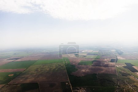 Foto de Vista aérea de los campos bajo las nubes en Roma, italia - Imagen libre de derechos