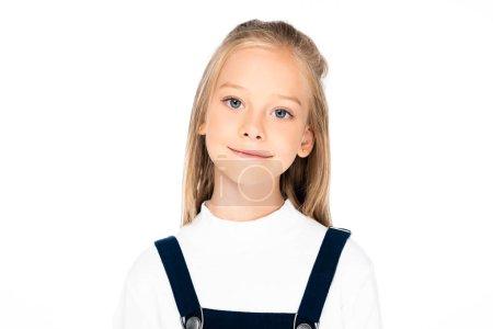 Photo pour Mignon joyeux écolière souriant tout en regardant caméra isolé sur blanc - image libre de droit