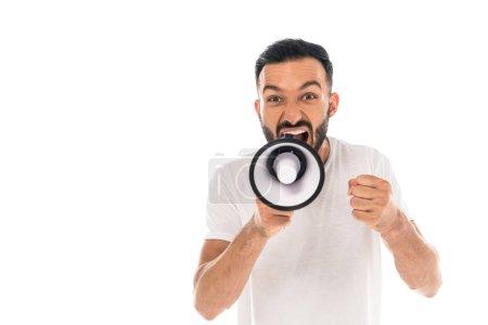 Photo pour Homme en colère avec le poing serré criant dans le mégaphone isolé sur blanc - image libre de droit