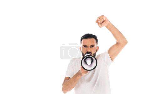 Photo pour Homme barbu avec poing serré criant dans le mégaphone et geste isolé sur blanc - image libre de droit