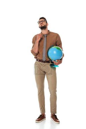 Photo pour Beau professeur de lunettes tenant globe sur fond blanc - image libre de droit