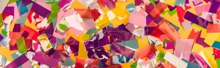 Photo pour Vue de dessus de fond lumineux coloré confettis, vue panoramique - image libre de droit