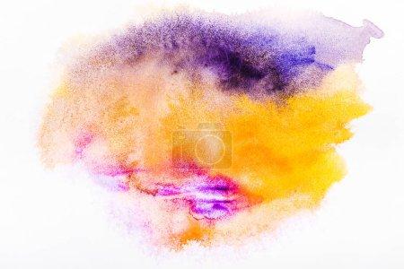 Photo pour Vue de dessus de rose, jaune et violet aquarelle déversements sur papier blanc - image libre de droit