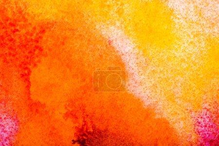 Photo pour Vue de dessus des déversements aquarelles jaunes et orange avec espace copie - image libre de droit