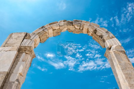 View of the roman arches in the ruins of Ephesus, Selcuk, Izmir, Turkey.