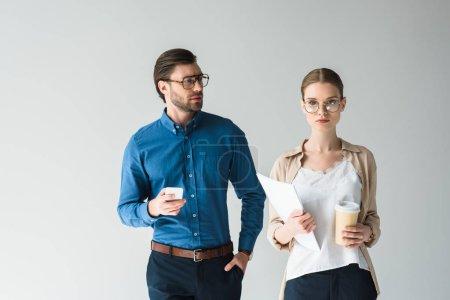 Photo pour Jeunes gens d'affaires élégants isolés sur blanc - image libre de droit