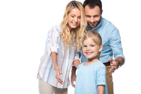 Photo pour Parents heureux avec enfant isolé sur blanc - image libre de droit