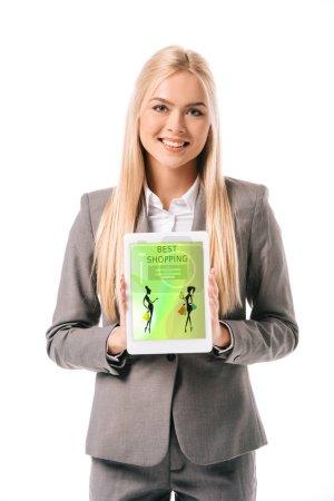Foto de Sonriendo empresaria muestra digital de plancheta con mejores tiendas app, aislado en blanco - Imagen libre de derechos