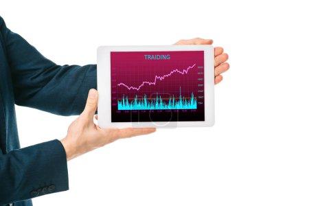 Photo pour Vue recadrée d'homme d'affaires détenant une tablette numérique avec trading graphique, isolé sur blanc - image libre de droit