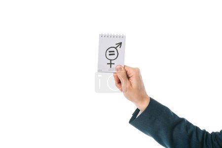 Photo pour Vue recadrée de l'homme tenant en main le signe de l'égalité des sexes, isolé sur blanc - image libre de droit