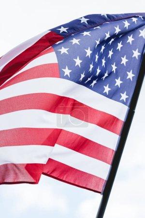 Nahaufnahme der amerikanischen Nationalflagge mit Sternen und Streifen