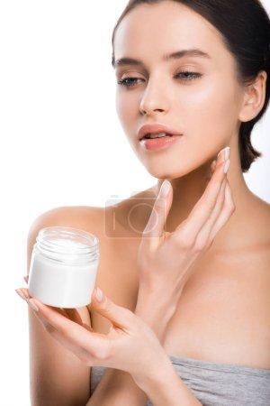 Photo pour Joli récipient de fixation de femme avec la crème cosmétique d'isolement sur le blanc - image libre de droit