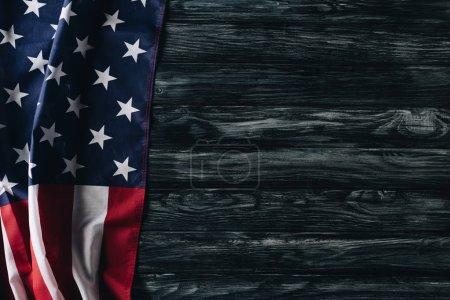 Photo pour Usa drapeau national sur la surface en bois grise, concept de jour commémoratif - image libre de droit