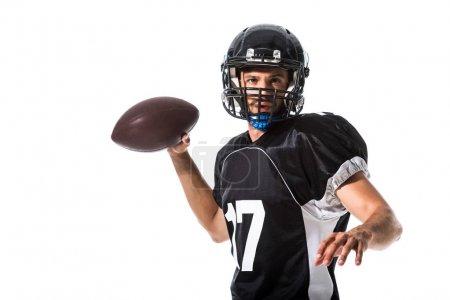 Photo pour Joueur de football américain avec ballon regardant la caméra isolé sur blanc - image libre de droit