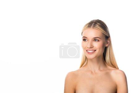 Photo pour Femme blonde heureuse nue avec des dents blanches regardant loin d'isolement sur le blanc - image libre de droit