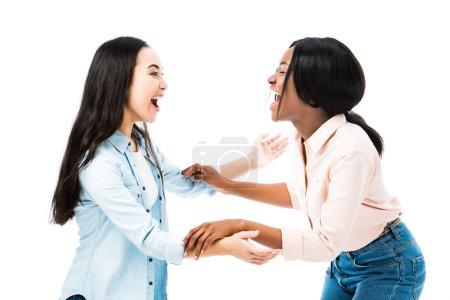 Foto de Amigos asiáticos y afriamericanos sonrientes con las manos aisladas sobre blanco. - Imagen libre de derechos