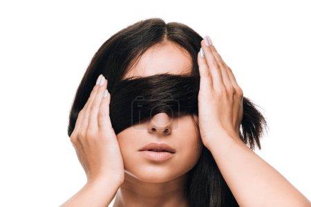 Photo pour Belle femme brune avec le long cheveu sain et brillant droit droit sur des yeux isolés sur le blanc - image libre de droit