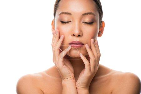 Photo pour Femme asiatique tendre attirante avec la peau parfaite, d'isolement sur le blanc - image libre de droit