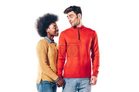 Photo pour Couple multiethnique tenant la main ensemble, isolé sur blanc - image libre de droit
